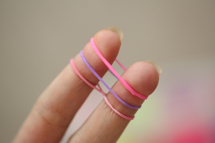How To Make A Fishtail Bracelet Using Your Fingers - step 5